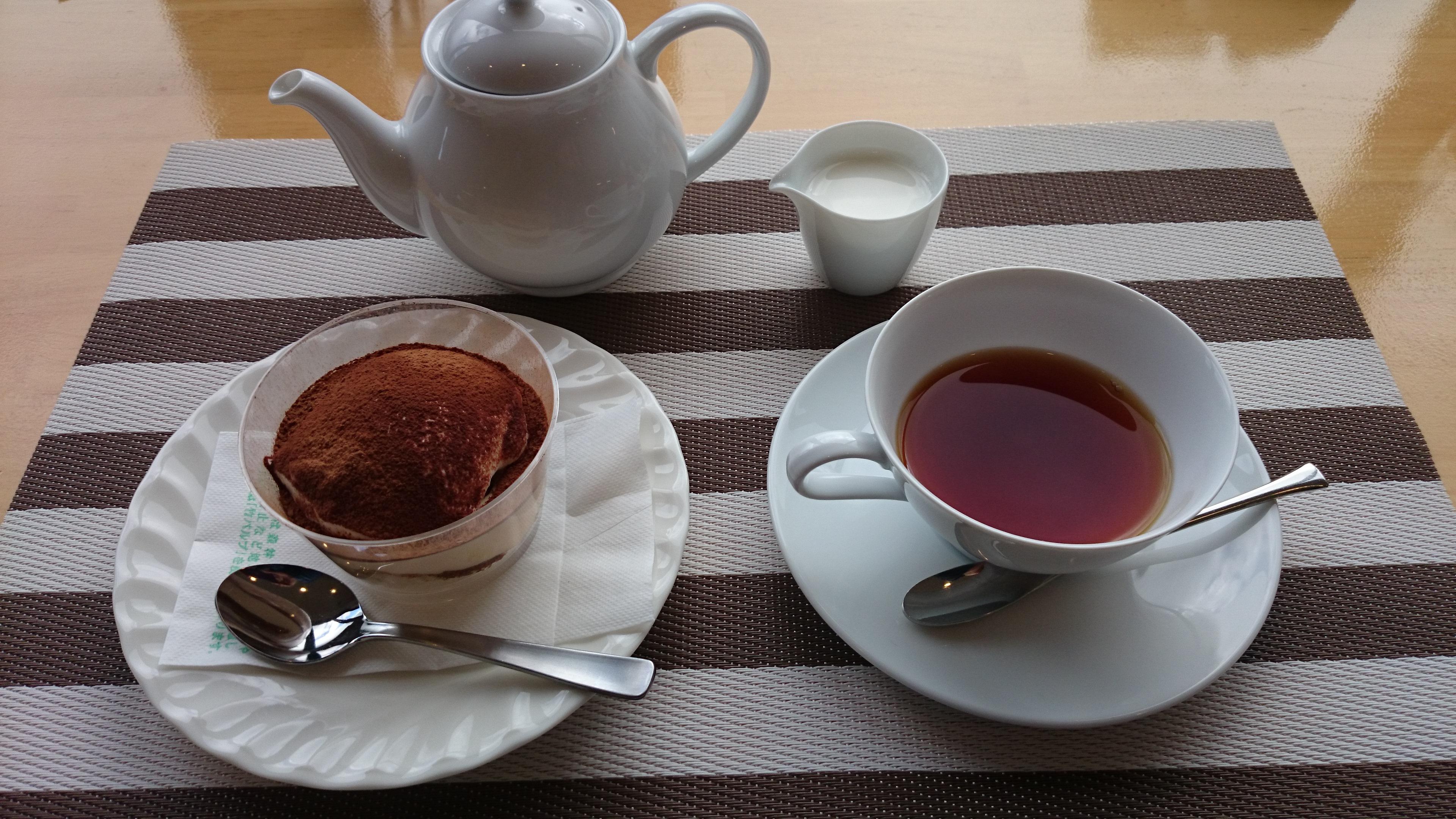 こだわりの素材を使った絶品スイーツ。糸島の「つまんでご卵ケーキ工房」。