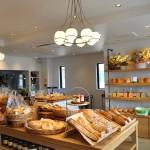 パンと料理が紡ぎだす優しい時間。福岡市の「MUGINOKI」。