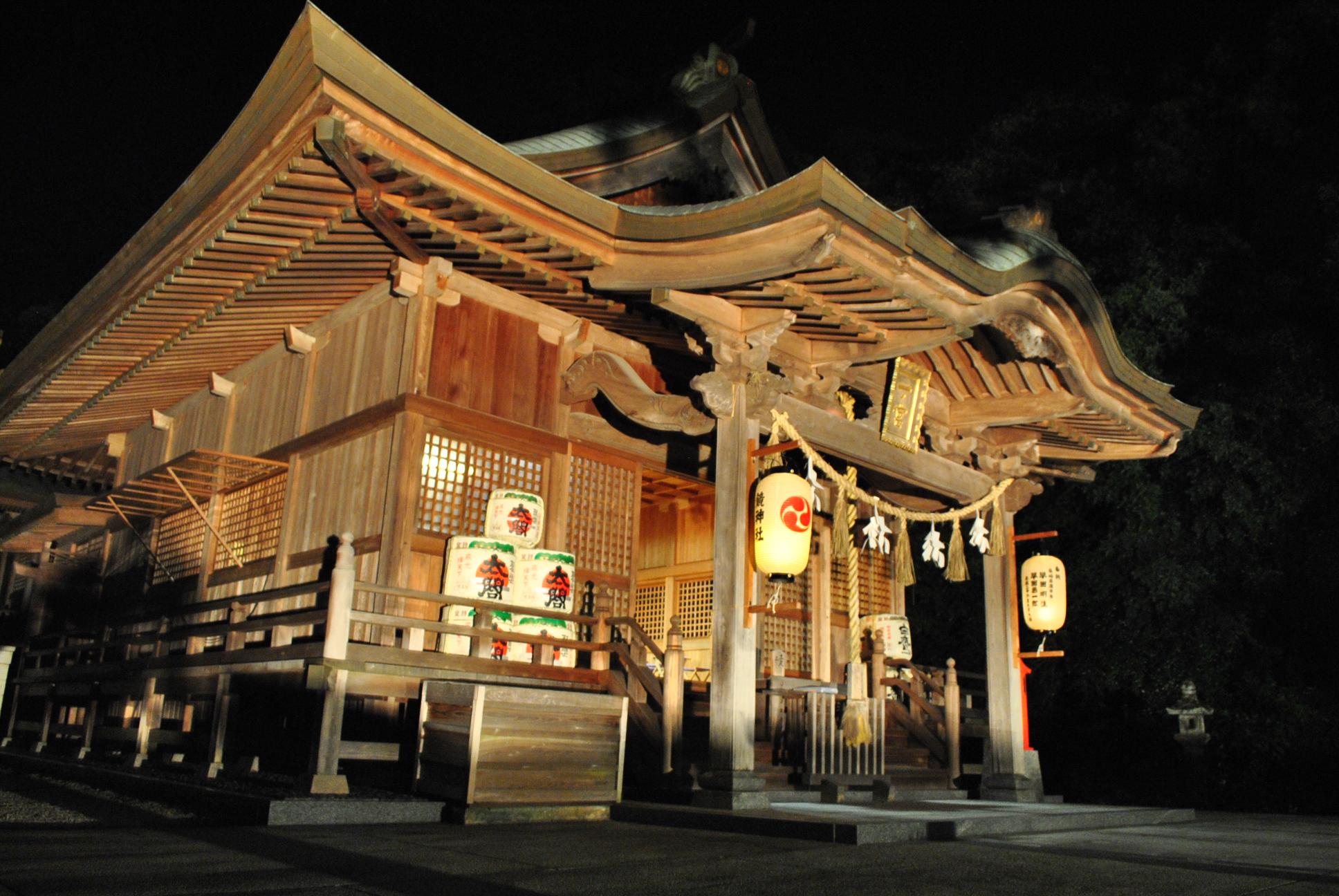 佐賀県唐津市の鏡神社で、夏越の大祓い神事が執り行われます。