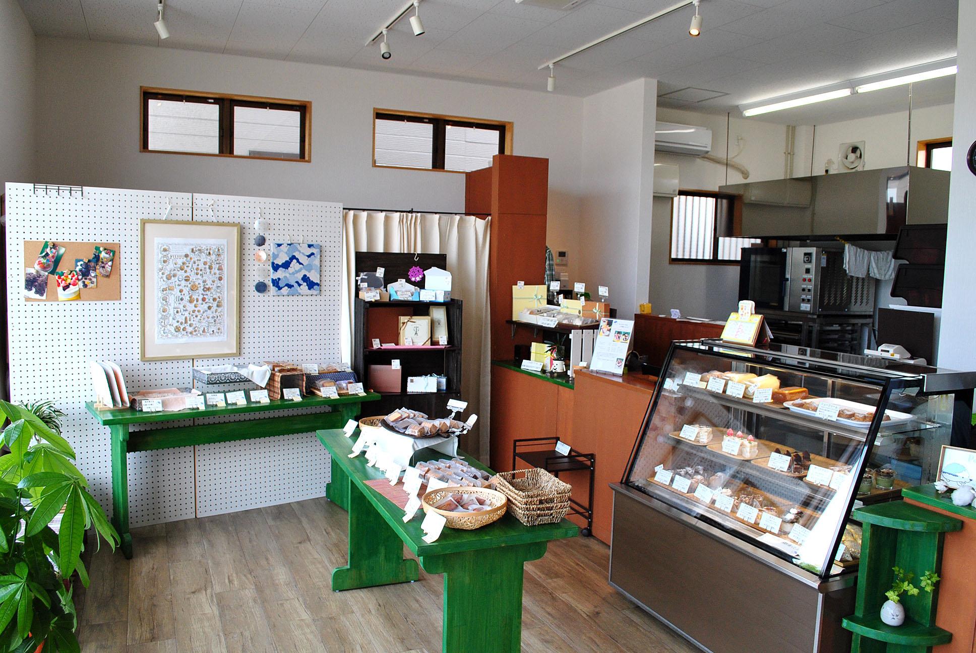 幸せを呼ぶ唐津市鏡の洋菓子店「Potlatch(ポトラッチ)」。