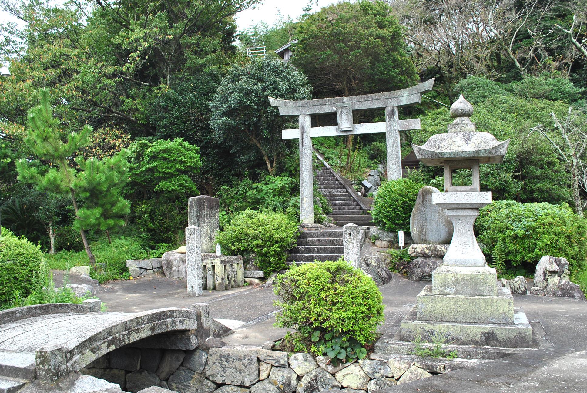 神功皇后の伝承が今に息づく、福岡県糸島市の鎮懐石八幡宮。