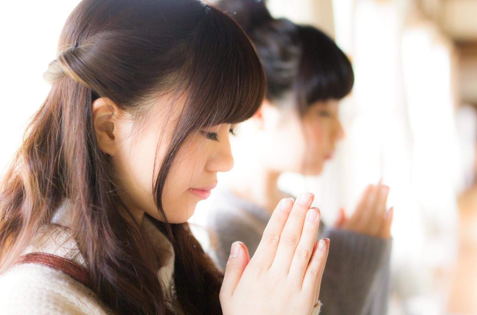 神社や仏閣にお参りし、手を合わせること。それは自分自身への感謝にも繋がります。