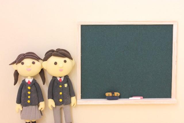 福岡市内の中学校で、絵本の読み聞かせ講座を行いました。